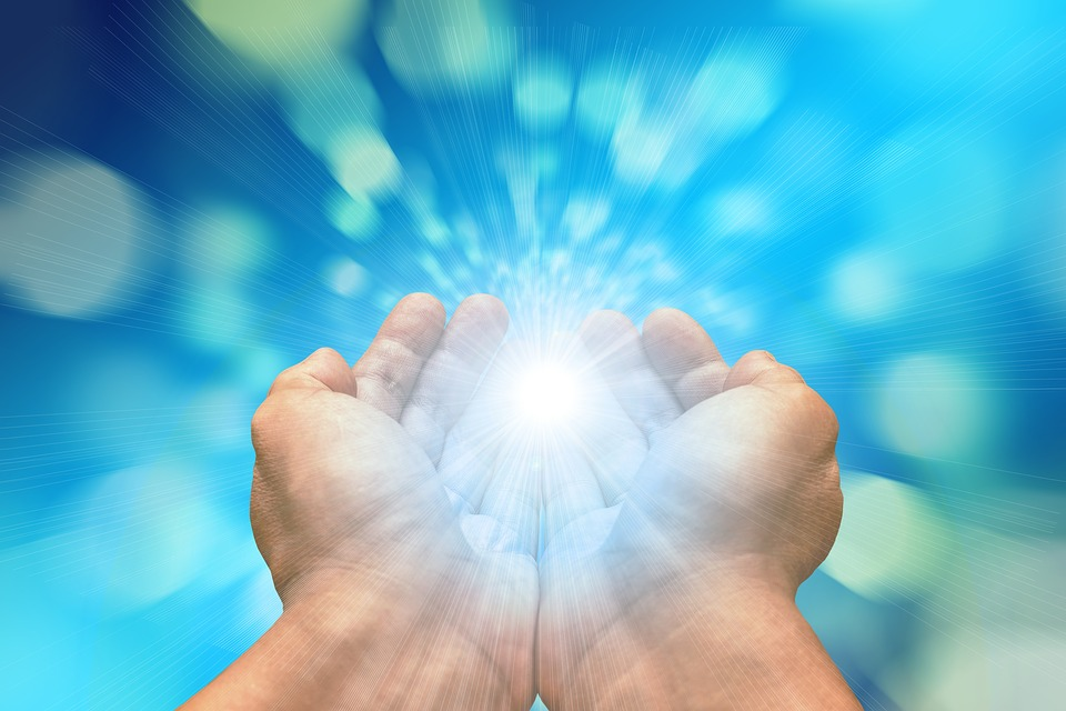Beware of 'Healing' Ministries Like BennyHinn